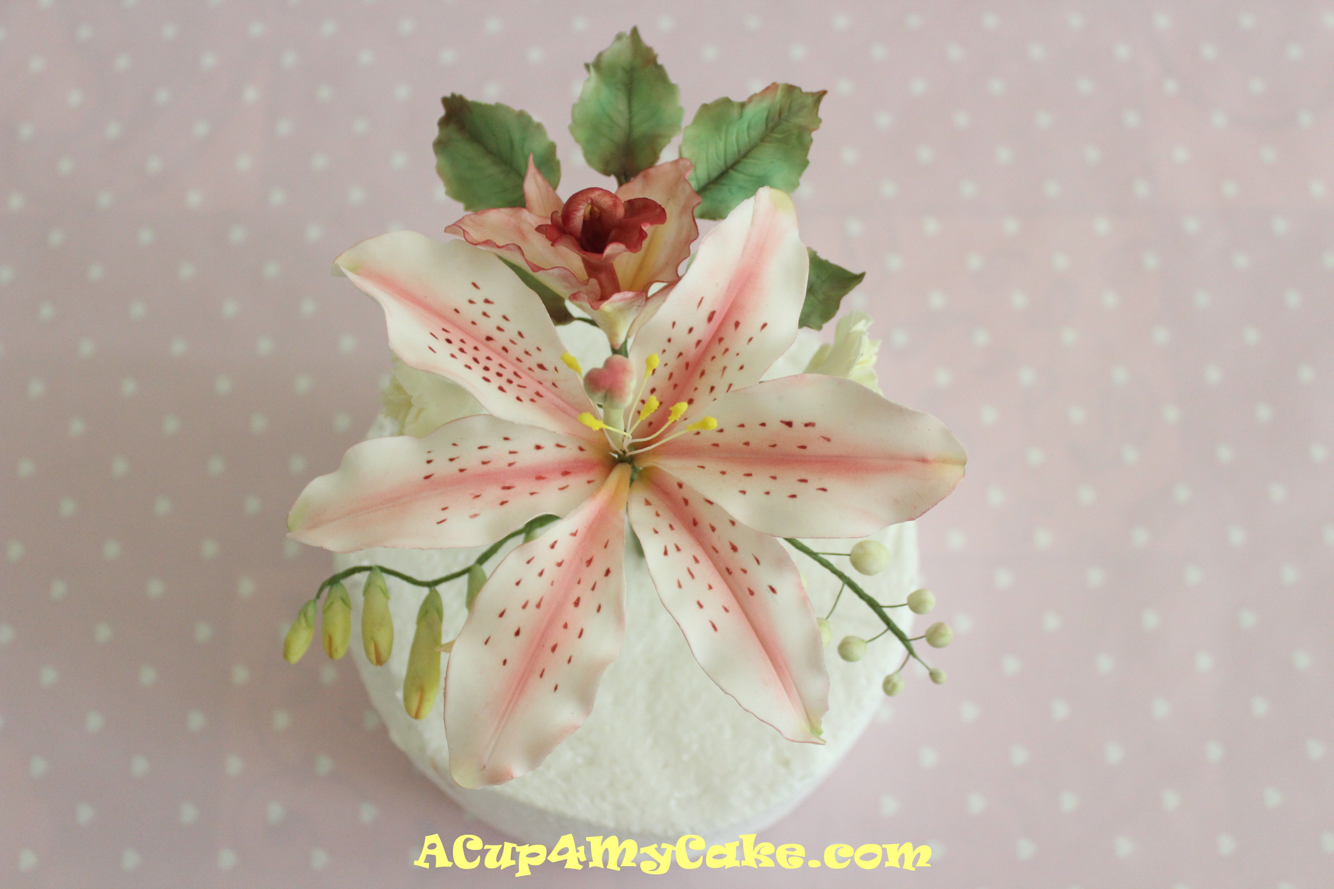 Sugar flowers acup4mycake theyre wired flowers made of gum paste also called petal paste and completely hand crafted to make realistic flowers is key to roll the paste very thin izmirmasajfo